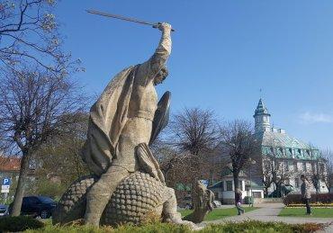 lohikäärme patsas