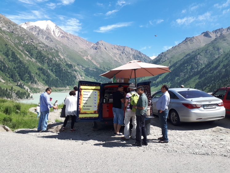 Kahviauto Big Almaty Lake