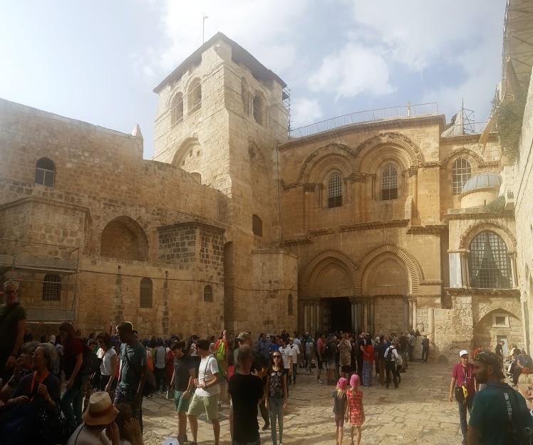 Church of the Holy Sepulchre (2).jpg