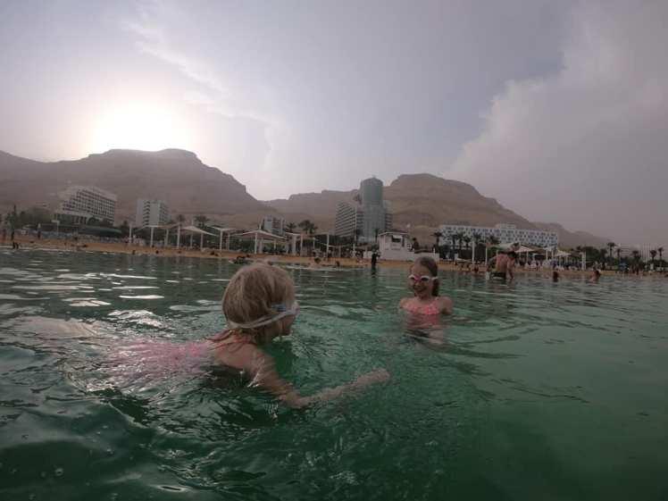 Kuollut meri lapset kellluu