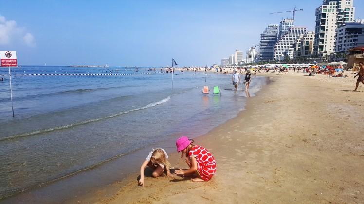 Tel Aviv beach (2)