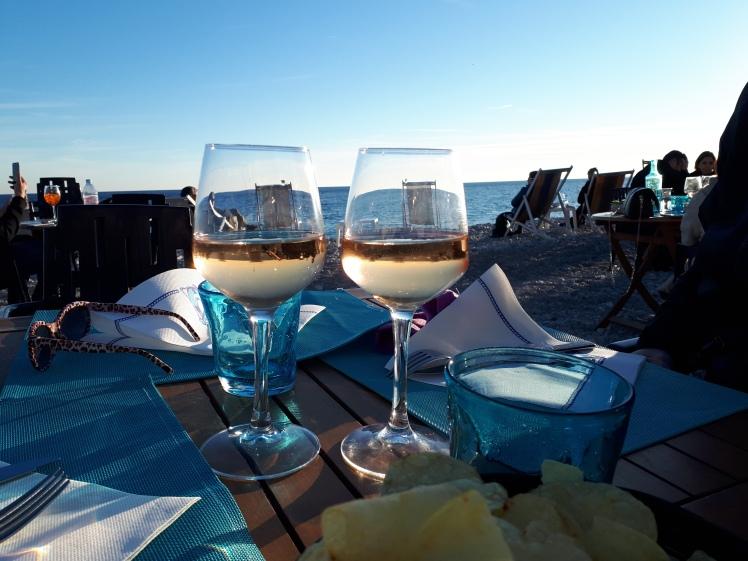 Kaksi viinilasia, Nizza