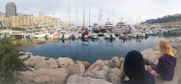 veneitä ihailemassa monacon rannalla jpg (2)